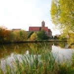 06_Kirche und See
